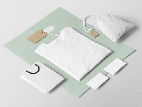 02-clothing-fashion-t-shirt-mockup-1